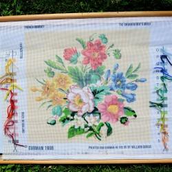 Gobelín - vyšívaný obraz Vtáčiky  28 x 24 cm