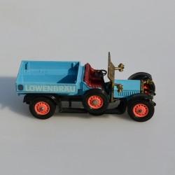 Model auta  - veterán , dĺžka 11 cm