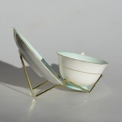 Kovový zlatý stojan na TROJSET - šálka, podšálka a tanierik, Výška stojanu je 10 cm