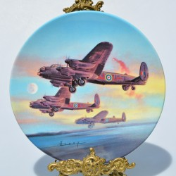 Porcelánový tanier Low over the Lake, Royal Worcester 19 cm