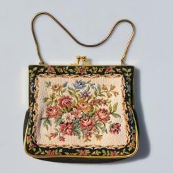 Látková vyšívaná kabelka na kovovej retiazke Elbief England 16 x 18 cm, ošuch zlata na rámiku