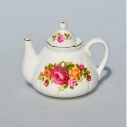 Miniatúra - porcelánový čajník Foreign 6 cm, 3 drobné hnedé bodky v glazúre od výroby
