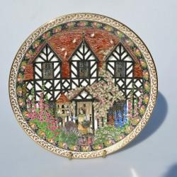 Porcelánový tanier Wealden Timber Framing, Royal Worcester  21 cm