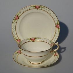predané Starožitný porcelánový trojset Ruže, Tuscan 200 ml, vlásočnice na šálke, iba dekor