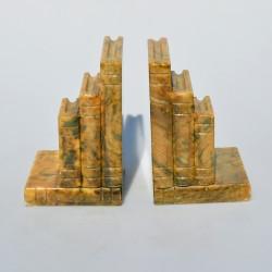 SADA 2 ks - stojany ku knihám Deti 10,5 x 10 x 17,5 cm, 1 stojan má jemne odrazený zadný roh, málo viditeľné