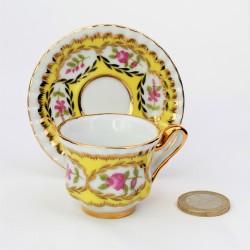 Miniatúra - porcelánový dvojset, výška šálky 4 cm + uško