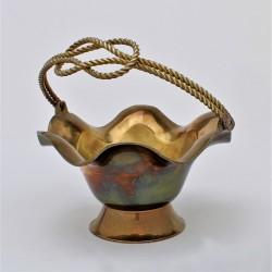 predané Mosadzný  zvonček s historickým výjavom 7x6 cm + uško 3 cm