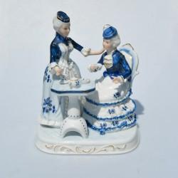 Porcelánová soška Dámy s čajom, Foreign by Vmart 22x18x13 cm