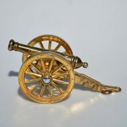 delo kanon  Kovový stojan na listy Plachetnica 19,5 x 7 x 11,5 cm