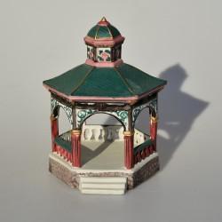 predane Porcelánový svietnik Kirsty Jayne 10,5 x 7 cm, miestami výrazné krakelovanie