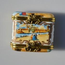 Zberateľská porcelánová šperkovnička Srdce E.P.23, Del Prado 4x3,5x3 cm