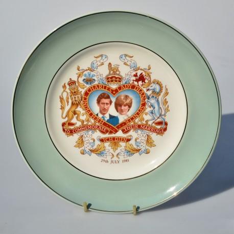 Zberateľský porcelánový tanier Charles & Diana, Crown Trent 22 cm