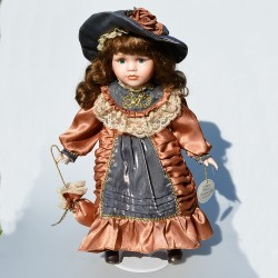 46 cm Porcelánová bábika Catriona The Leonardo Collection, orig.obal + stojan