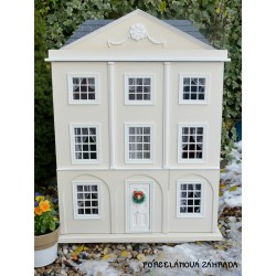 Vypredané - Veľký zberateľský domček pre bábiky. Zrekonštruovaný + nová elektrina.